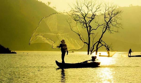 Phân tích bài thơ Đất Nước của nhà thơ Nguyễn Khoa Điềm