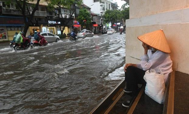 Tả cảnh bão lụt ở quê em – Bài tập làm văn số 5 lớp 6